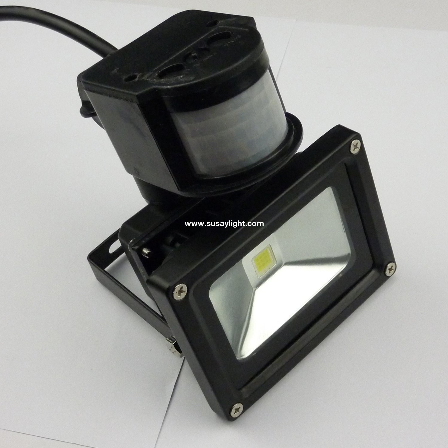 Led low energy flood light with pir sensor black diecast a 1 16041ga42k18g aloadofball Images